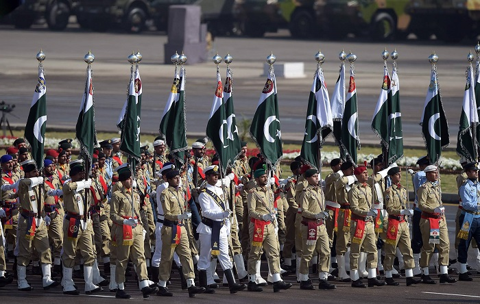 Pakistani soldiers march past during a Pakistan Day military parade in Islamabad on March 23, 2017. Photo: AFP