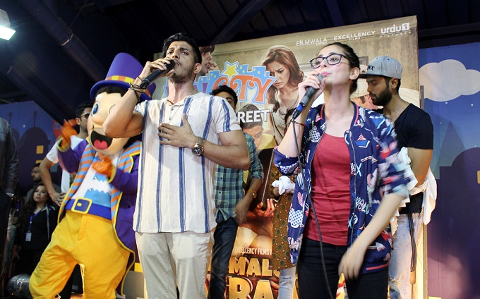 Namaloom Afraad cast at Fun City Islamabad