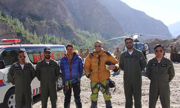 Two British men rescued on Pakistani peak by Army
