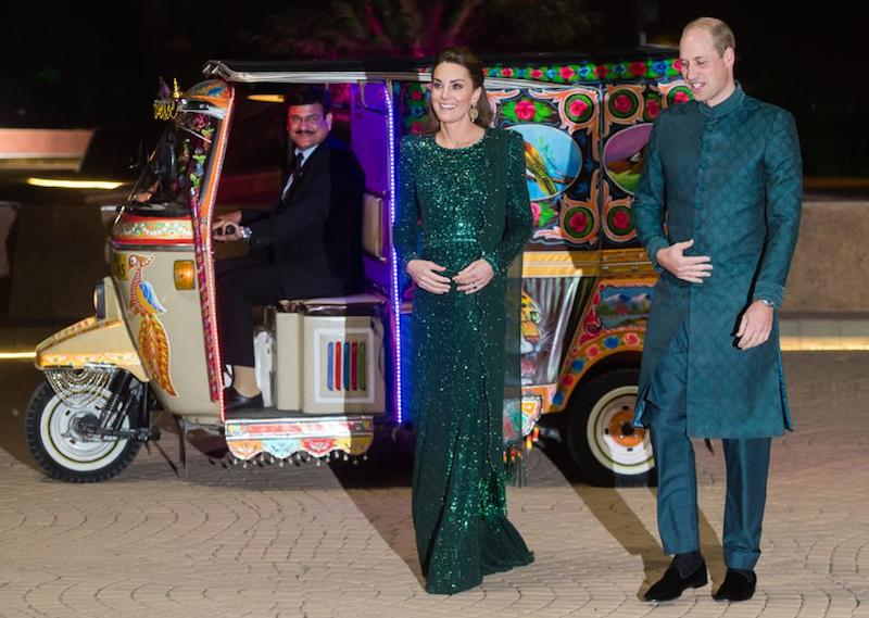 Prince William and Kate arrive at ceremony in a rickshaw