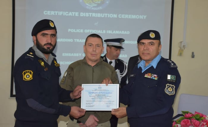 Embassy of France organizes training session for police officers in Islamabad